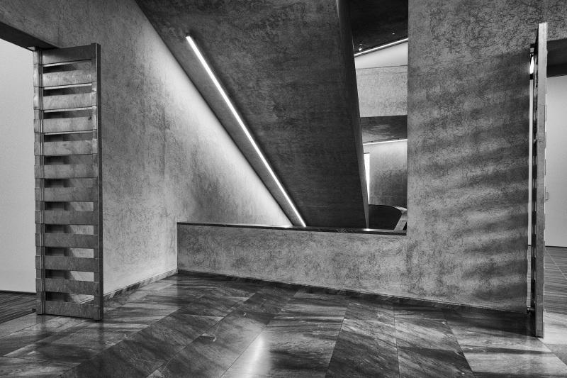 Das Treppenhaus im Erweiterungsbau des Kunstmuseums Basel der Basler Architekten Emanuel Christ und Christoph Gantenbein in Basel am Donnerstag, 14. April 2016. (KEYSTONE/Georgios Kefalas)