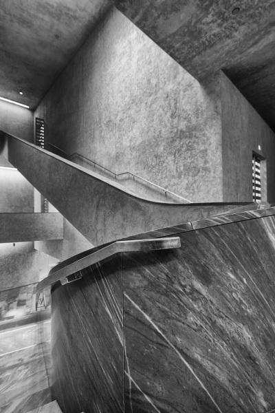 Das Treppenhaus im Erweiterungsbau des Kunstmuseums Basel der Basler Architekten Emanuel Christ und Christoph Gantenbein am Mittwoch, 13. April 2016. (KEYSTONE/Georgios Kefalas)