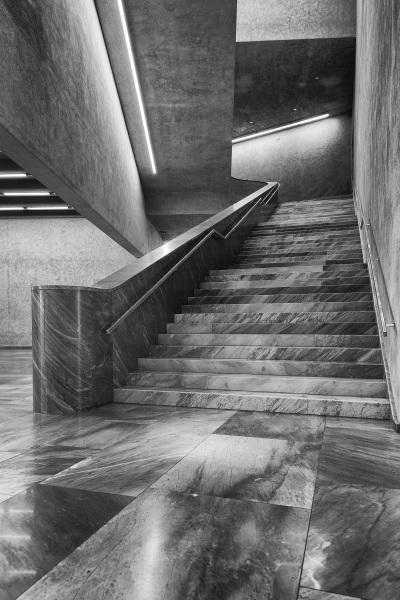 Das Treppenhaus im Erweiterungsbau des Kunstmuseums Basel der Basler Architekten Emanuel Christ und Christoph Gantenbein in Basel am Mittwoch, 13. April 2016. (KEYSTONE/Georgios Kefalas)