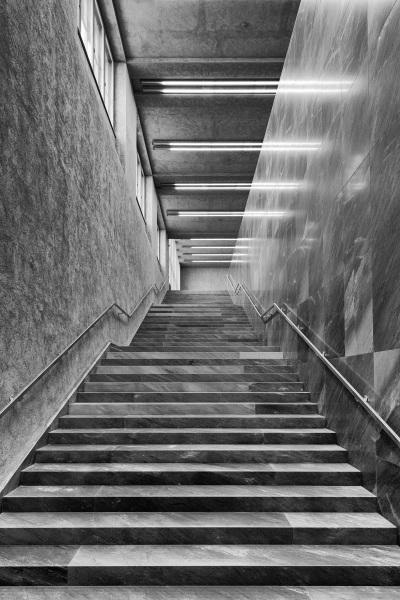 Treppe von der Unterfuehurng des Erweiterungsbaus des Kunstmuseums Basel der Basler Architekten Emanuel Christ und Christoph Gantenbein am Mittwoch, 13. April 2016. (KEYSTONE/Georgios Kefalas)